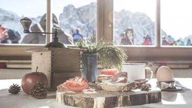 Südtiroler Imbiss im Grödner Berghotel