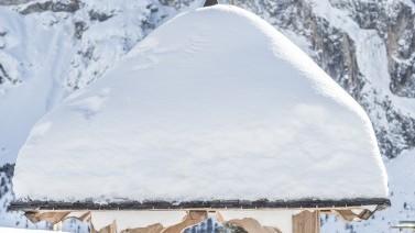 Tiefverschneite Winterlandschaft Col Raiser
