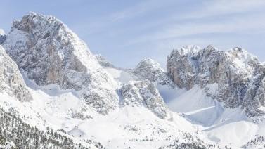 Verschneites Hochgebirge Gröden