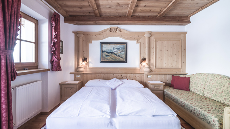 Romantic Rooms Val Gardena ski holidays
