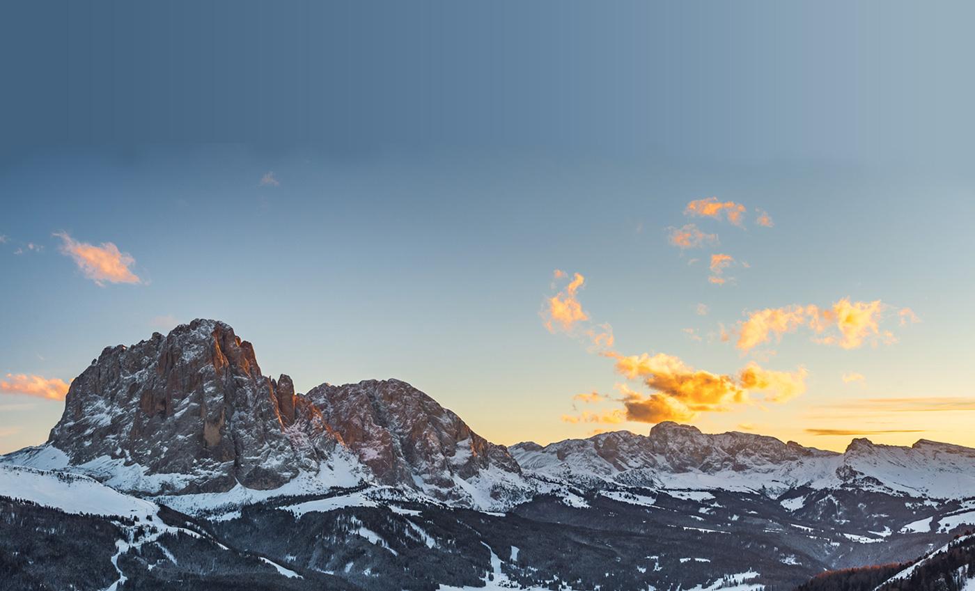 Wolkengebilde Alpenglühen Dolomiten Südtirol