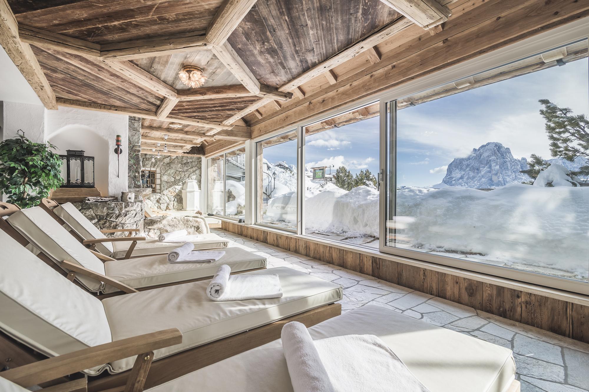 Die Dolomiten bestaunen im Almhotel Col Raiser