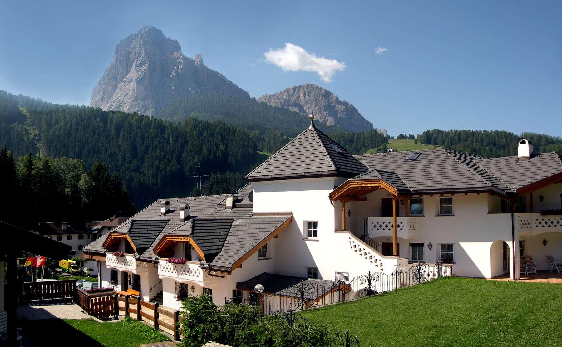 Alpenhotel Plaza mit Langkofel